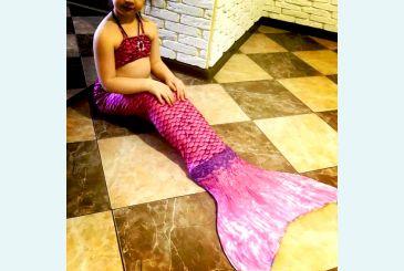 Розово-фиолетовый хвост с купальником фото Марии