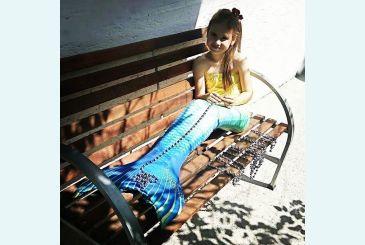 Желто-синий хвост фото Софии