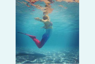 Красно-синий хвост плавание от Алины