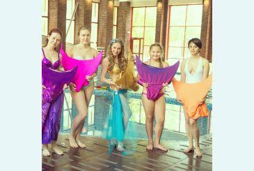 Хвост Люкс фиолетовый Плавании в компании русалочек