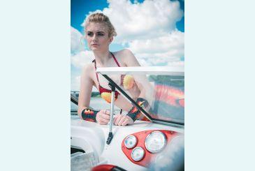 Хвост Delfina 3D черный фотосессия на катере_2