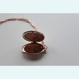 Медальон с цветком