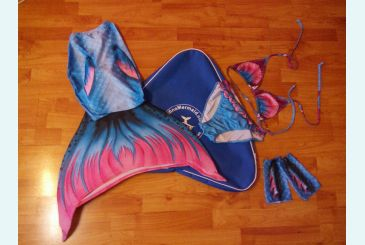 Хвост Дельфина Топаз и сумка