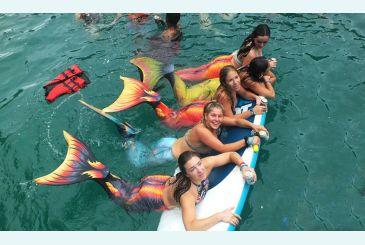Хвост Дельфина Меджик Марина на воде