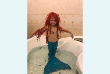 Хвост голубой блеск - русалочка в ванне_1